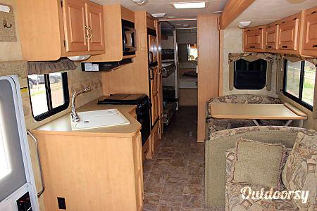 Damon Daybreak w/ 2 slides and bunks - AZ  Mesa, AZ