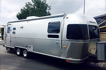 0Airstream 27FB International  Chino, CA