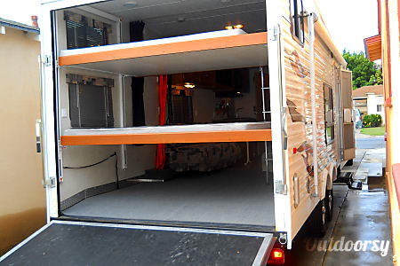 2007 NRG toyhauler trailer  Long Beach, CA