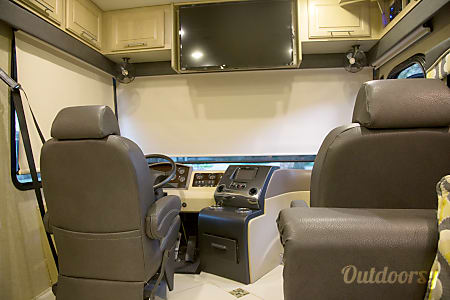 2014 Coachmen Sportscoach Cross Country - Triple Bunk Perfect for Family.  Orlando, FL