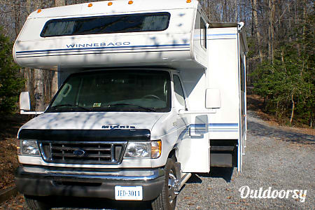 2003 Winnebago Minnie  Fredericksburg, VA