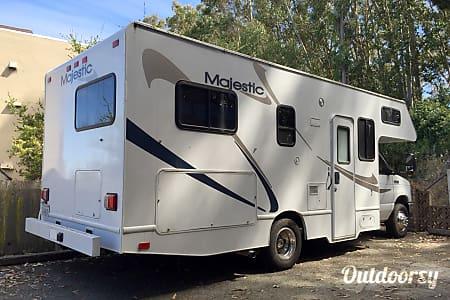 0Madge 25-Foot Class C Motorhome  Petaluma, CA