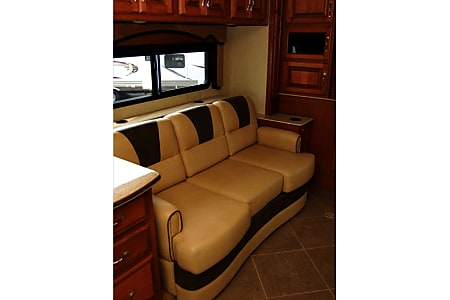 2013 Fleetwood Discovery  Buford, GA