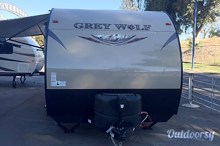 2017 Cherokee Grey Wolf BHD 26'  Sacramento, CA