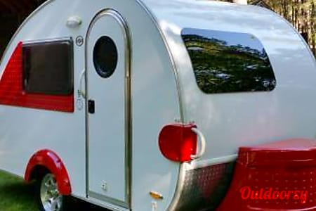 """0T@B Max """"Bingalow""""- LOADED w/Outside Kitchen, Potty & Shower!!  Auburn, CA"""