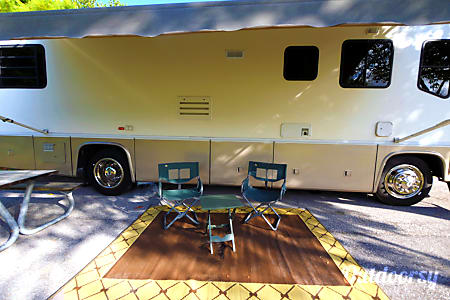 36' Motorhome, Diesel Powered... Remodeled, retrofitted and ready for adventure!  Lake Worth, FL