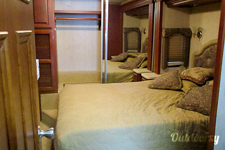 2006 Thor Motor Coach Four Winds  Rochester, New York