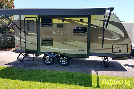 0Modern Couple's Coach  Gulf Breeze, FL