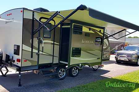 Modern Couple's Coach  Gulf Breeze, FL