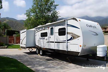 02010 Keystone Outback  BELLFLOWER, CA