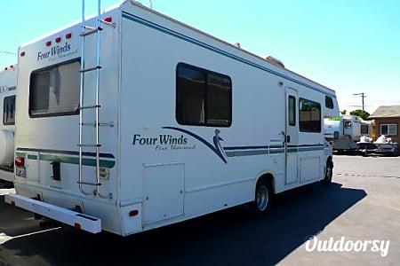 2001 Ford Fourwinds  Sacramento, CA