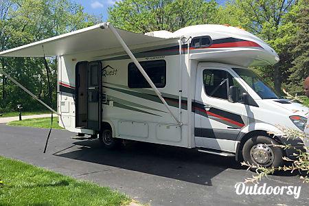 2010 Fleetwood Quest 24E Premium  Fostoria, OH