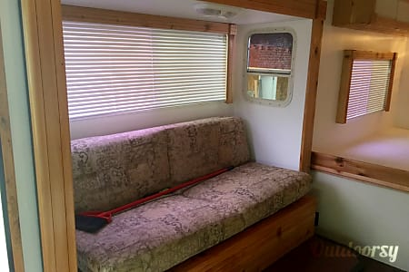 "C-07 Class C diesel 23' motorhome ""Country Cabin"" (Value Unit)  Cypress, TX"