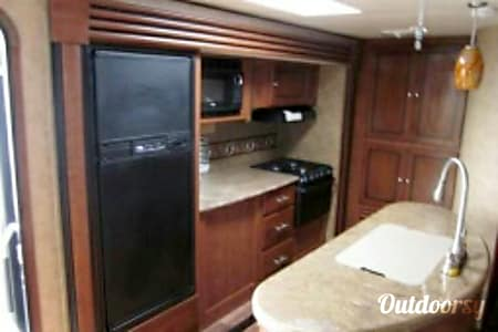 T-6 Kodiak Bunkhouse Luxury Trailer  Cypress, TX