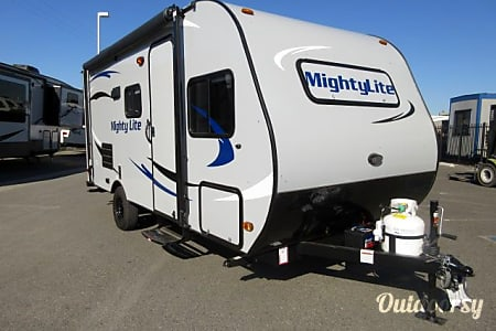 02016 Pacific Coachworks Mighty Lite 16BB  San Jose, CA