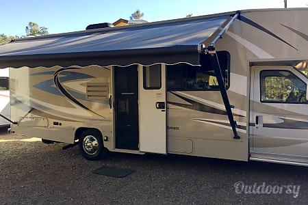 02016 Coachmen Leprechaun  Oakhurst, CA