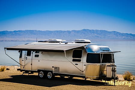 02016 Airstream Flying Cloud 27FB  Indio, CA