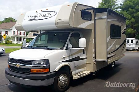 02014 Coachmen Leprechaun  Essex, VT