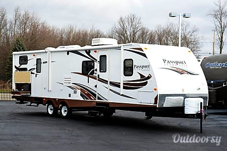 2014 Keystone Passport - Sleeps 10-11! Ultra clean and lots of extras!  Midlothian, VA