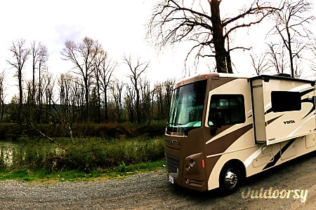 2015 Winnebago Vista Motorhome  Kenmore, Washington