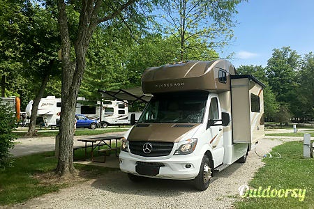 02016 Model J (Thousand Oaks) - Mercedes Winnebago View  Thousand Oaks, CA