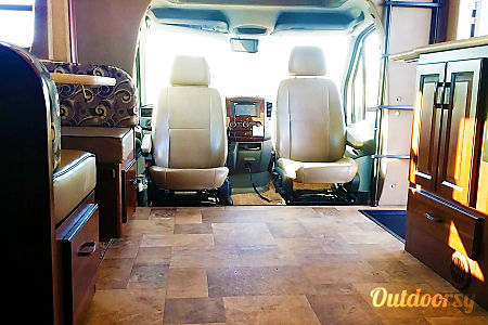 🚐  2014 Forest River Solera - Explore the Open Road with Style, Ease and Comfort  Mesa, AZ