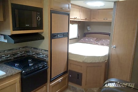 2015 Thor Motor Coach Four Winds  Herndon, VA