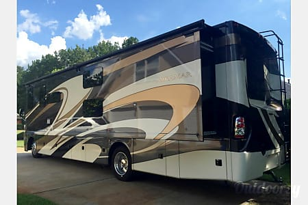 02016 Thor Miramar w/King Suite and bunk house: PERFECT FAMILY VACATION RV  Belton, Texas