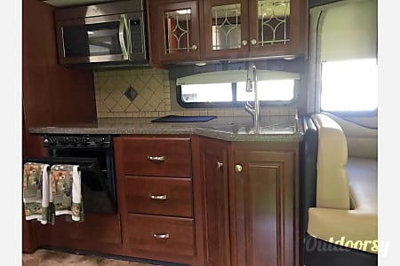 2016 Thor Miramar w/King Suite and bunk house: PERFECT FAMILY VACATION RV  Belton, Texas