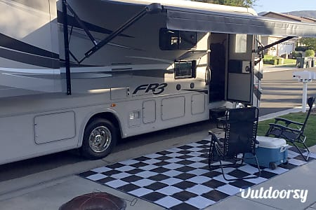 The Beach House 2015 Forest River Fr3 30ds  I PAY THE ROADSIDE ASSISTANCE  Corona, CA