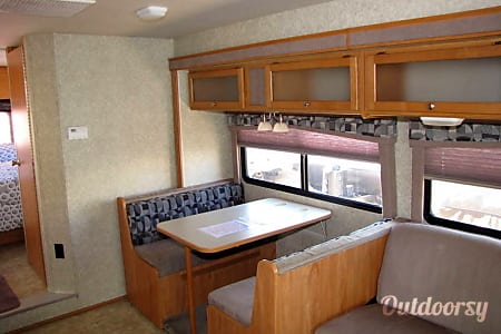 Winnebago Access 31C  Placerville, CA