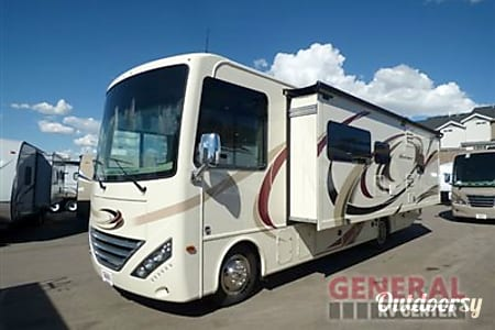 2017 Thor Motor Coach Hurricane  Los Angeles County, CA
