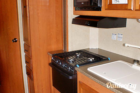 T5 - 2014 Streamlite Ultra Lite 28BKS  Midland, MI