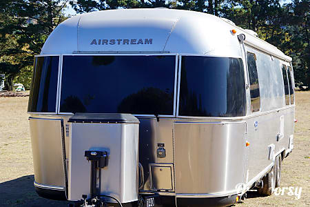 0Airstream 2012 Classic  27' (Sleeps 6) (Tow Truck Optional)  San Francisco, CA