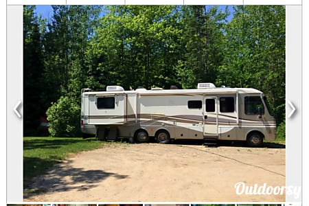 1999 Fleetwood Pace Arrow  Gladwin, MI
