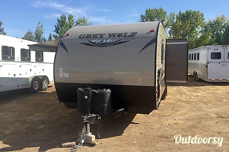 2016 Forest River Cherokee Grey Wolf 23BD  Sacramento, CA