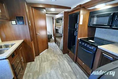 BRAND NEW 2017 Class A w/Bunks. 2017!! Sleeps 8-10!! ALL THE BELLS AND WHISTLES!!!  Orlando, FL