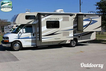 02015 Leprechaun 260DS (Chevy)  Round Rock, TX