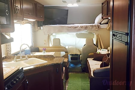 2016 Thor Motor Coach Four Winds 26A  Walkersville, MD