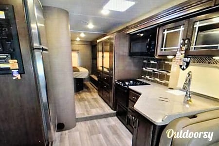 2017 Thor Motor Coach Four Winds  Tupelo, Mississippi