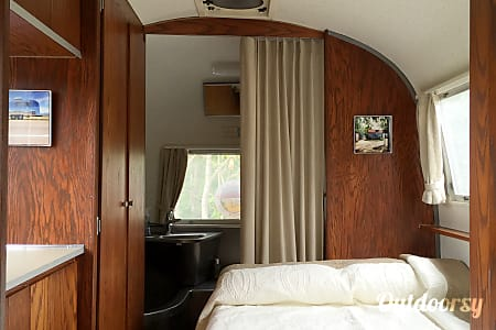 """1964 Airstream Overlander: """"Lucy""""  Temple Hills, MD"""