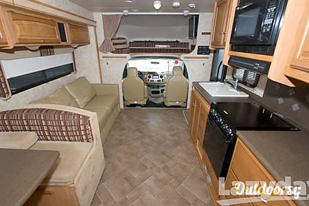 "2011 Winnebago Access ""The Princess""  Marietta, GA"