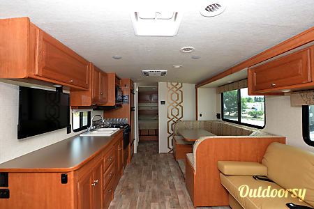 2017 Winnebago Vista 31KE  Aurora, CO