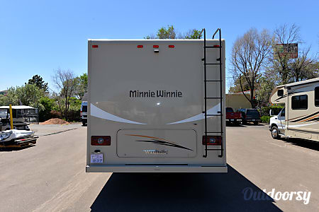 2017 Winnebago Minnie Winnie 331 K  Aurora, CO