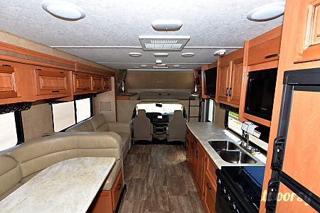 2017 Forest River Sunseeker 3010  Johnstown, CO