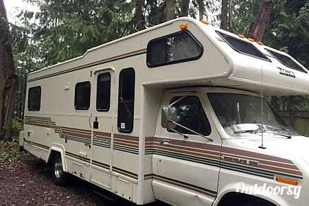 01989 Winnebago Sundancer  Sequim, WA