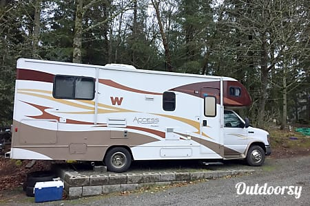 02011 Winnebago Access Premier QP!  West Linn, OR