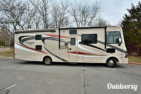 0RV 19: Pursuit 33BHP  Herndon, VA