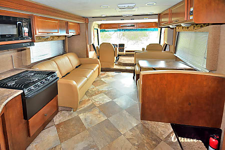RV 19: Pursuit 33BHP  Herndon, VA