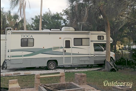 01999 tioga ford  Sarasota, FL